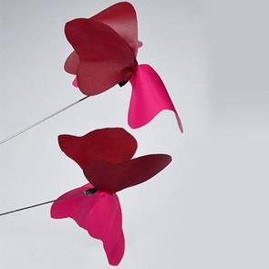 Buzz der tanzende Schmetterling